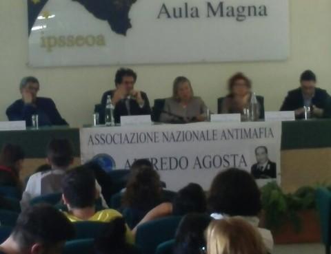 SCUOLA ALBERGHIERO, UOMO in 95037 Gravina di Catania for